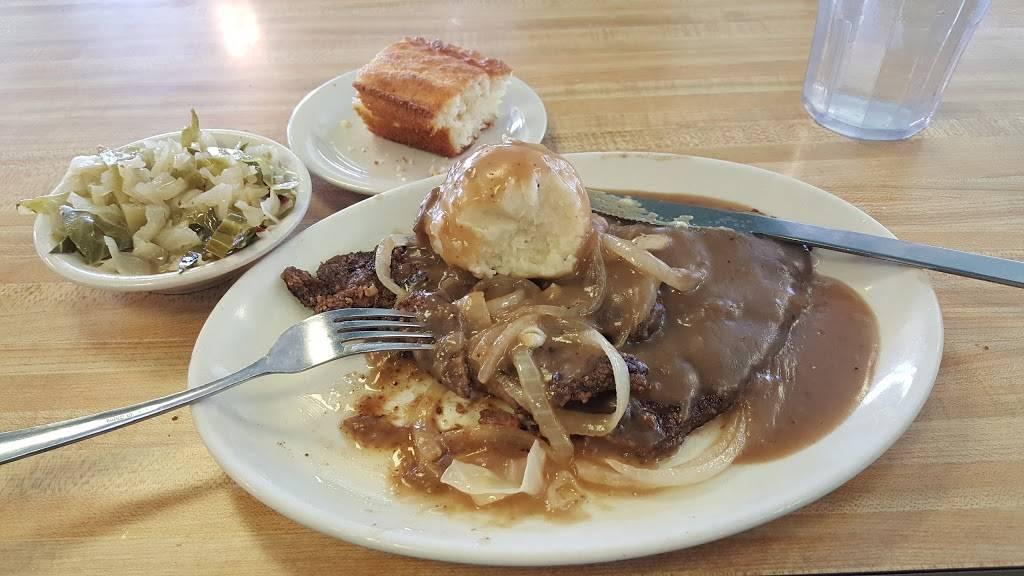 Evelyns - restaurant  | Photo 5 of 8 | Address: 3014 N 74th E Ave, Tulsa, OK 74115, USA | Phone: (918) 835-1212