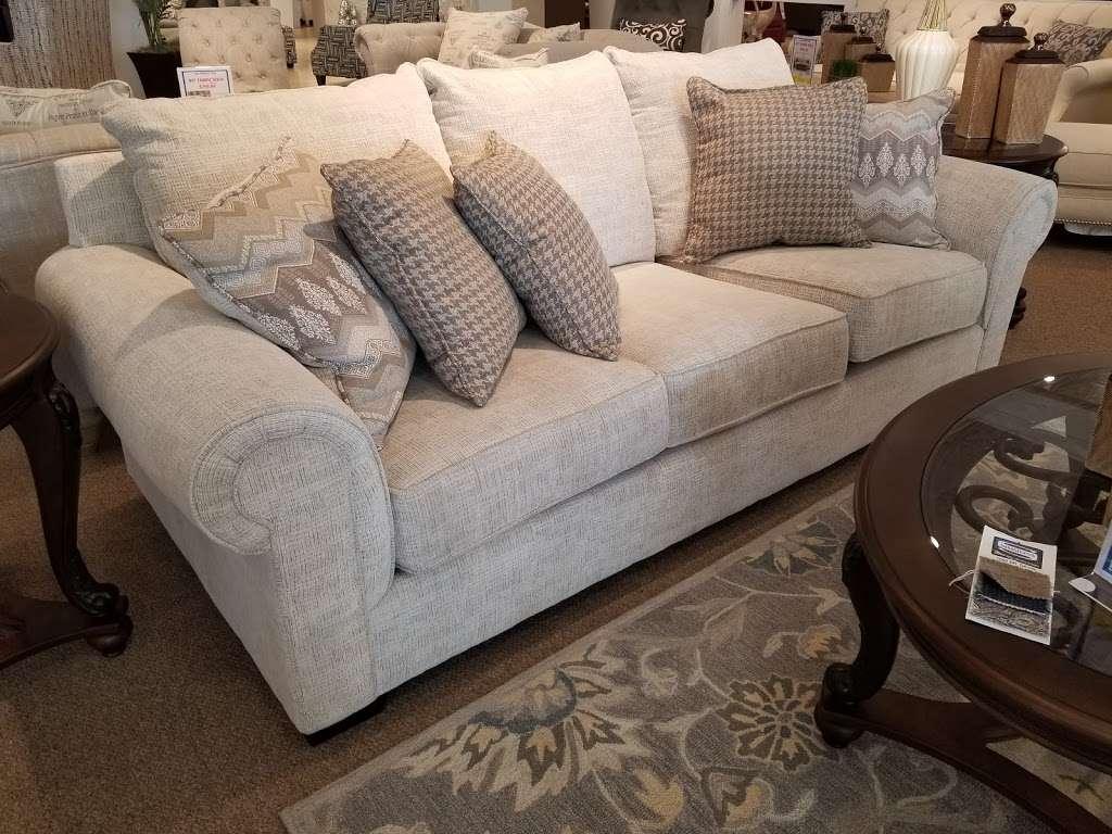 Cardi S Furniture Amp Mattresses Furniture Store 272 1