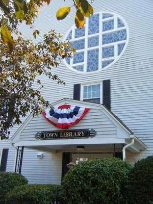Upton Library - library  | Photo 1 of 1 | Address: 2 Main St, Upton, MA 01568, USA | Phone: (508) 529-6272