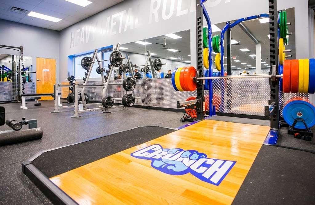 Crunch Fitness - Hudson - gym    Photo 5 of 10   Address: 205 Washington St, Hudson, MA 01749, USA   Phone: (978) 293-3633