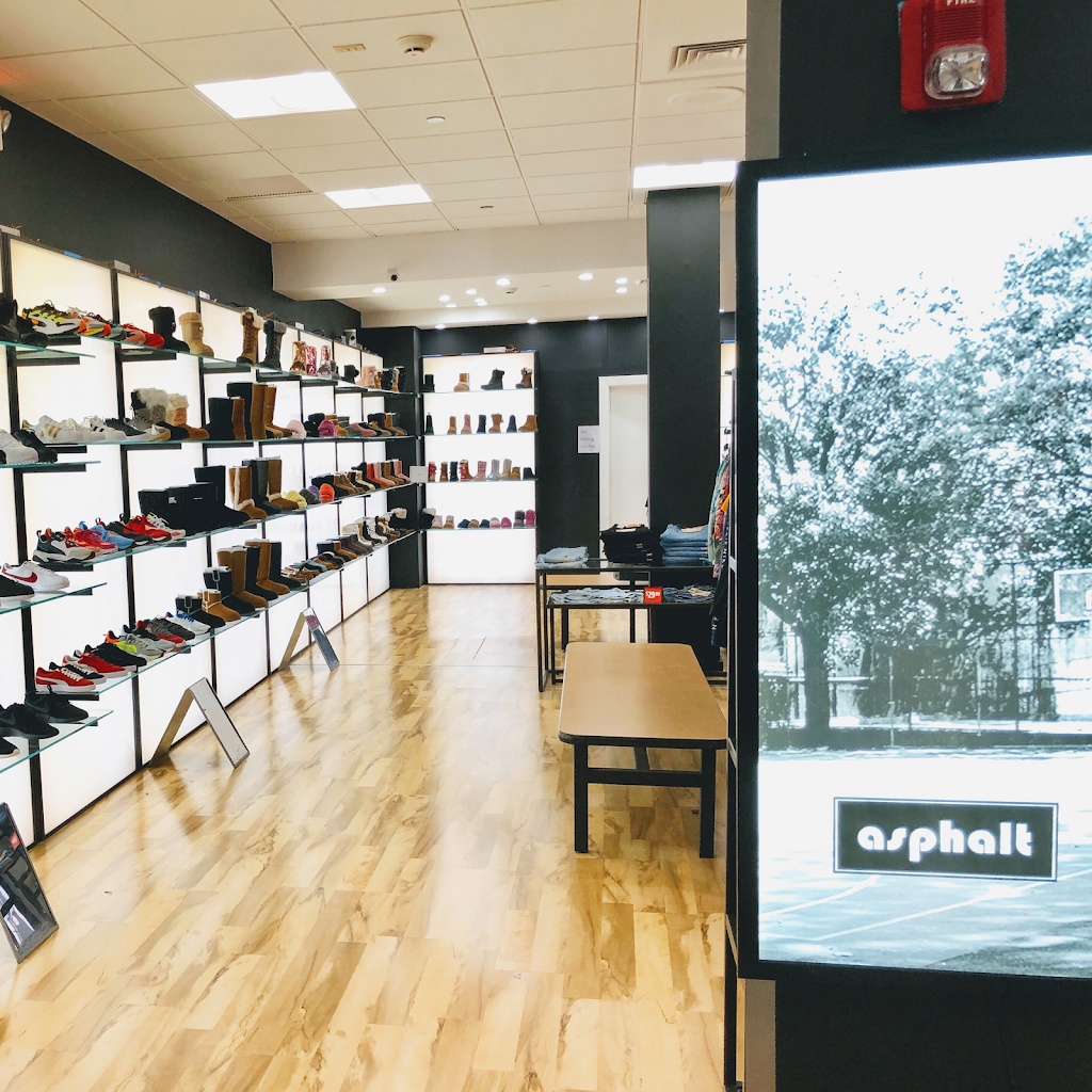 asphalt - shoe store  | Photo 3 of 7 | Address: 2034 Green Acres Mall, Valley Stream, NY 11581, USA | Phone: (914) 848-4300
