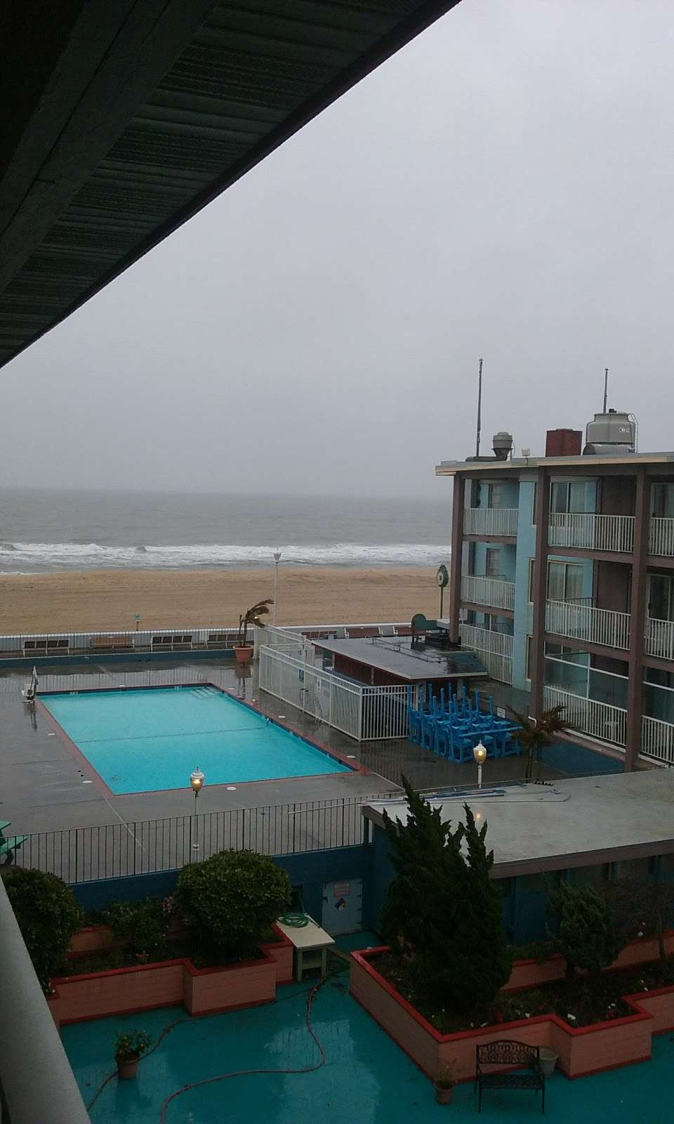 Flagship Oceanfront Hotel - lodging  | Photo 3 of 10 | Address: 2600 N Baltimore Ave, Ocean City, MD 21842, USA | Phone: (800) 837-3585