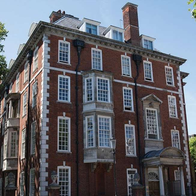The Laurels School 1 Chelsea Embankment Chelsea London Sw3 4lg Uk