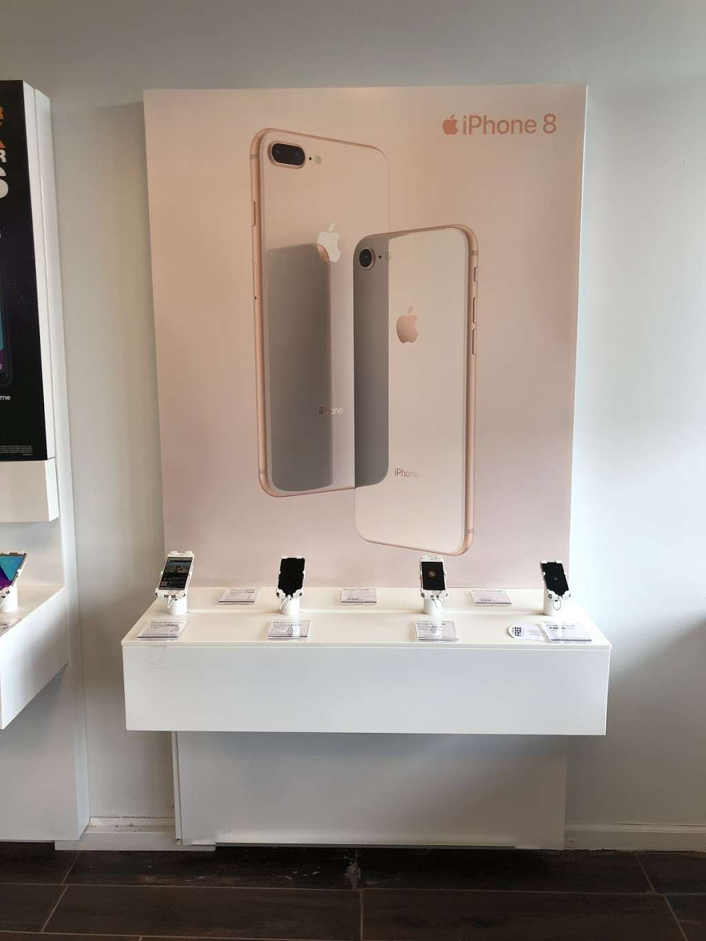 Metro by T-Mobile - electronics store  | Photo 9 of 10 | Address: 500 S River St, Hackensack, NJ 07601, USA | Phone: (201) 373-1000