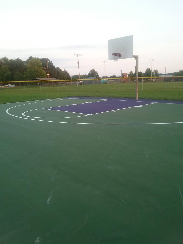 Highview Park - park  | Photo 8 of 10 | Address: 7201 Outer Loop, Louisville, KY 40228, USA | Phone: (502) 601-2318