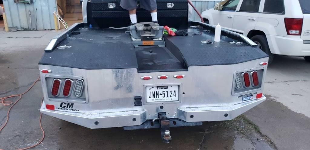 T&H Collision Repair And Detailing - car repair  | Photo 6 of 10 | Address: 108 Ranch Rd #6086c, Laredo, TX 78043, USA | Phone: (956) 568-7290