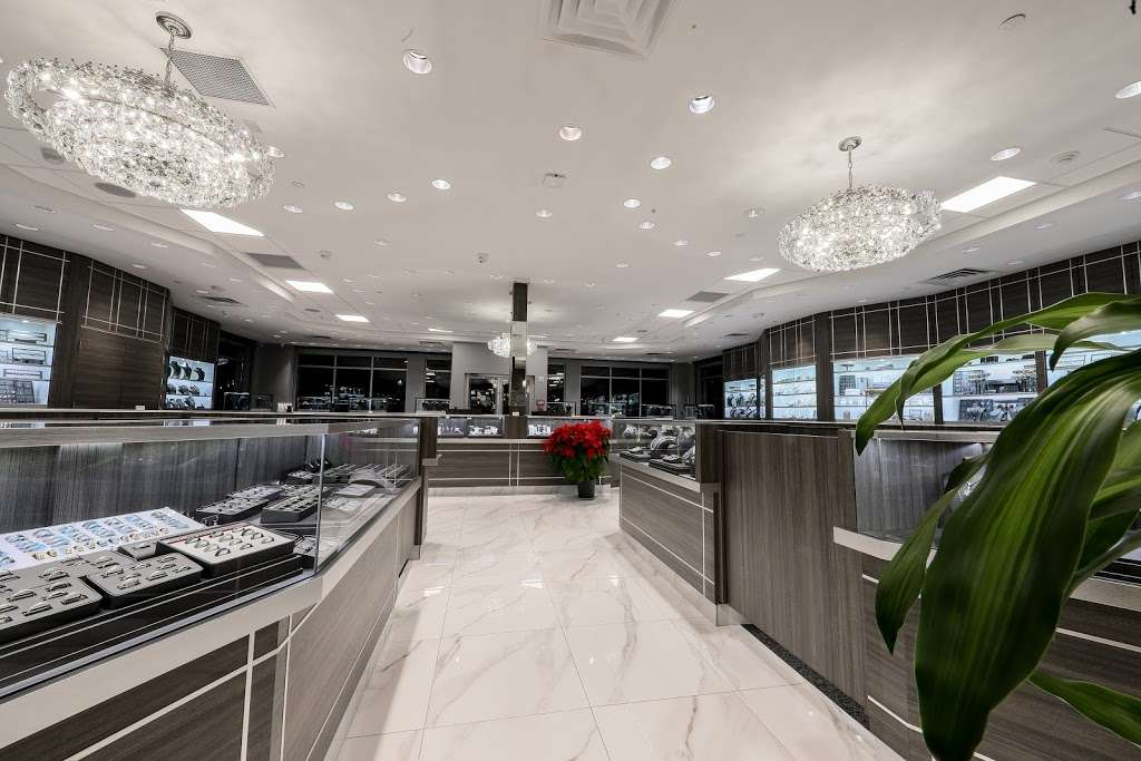 Papas Gold City Jewelers - jewelry store    Photo 6 of 10   Address: 1880 Central Park Ave, Yonkers, NY 10710, USA   Phone: (914) 337-6677