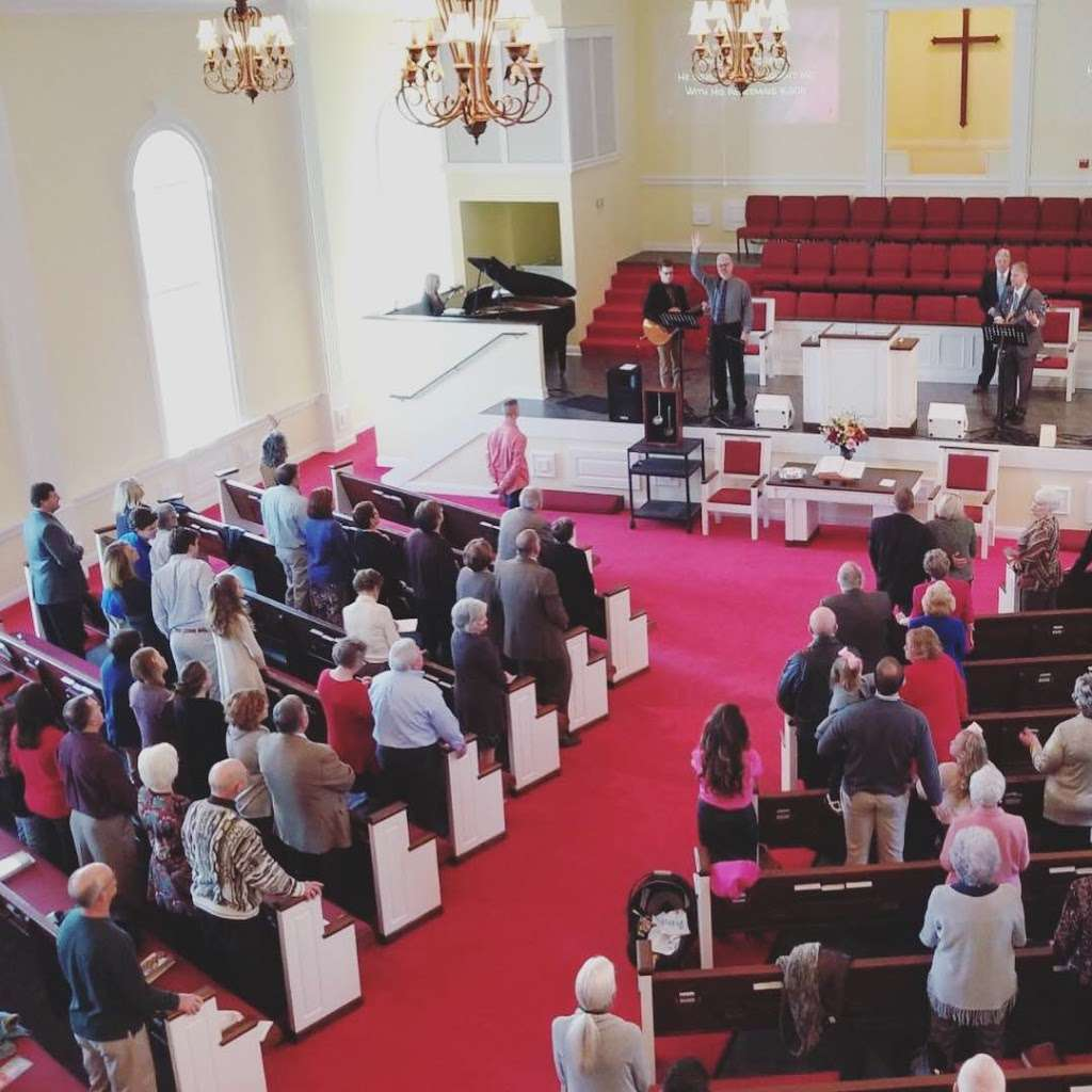 The Chapel Church - church  | Photo 5 of 5 | Address: 410 26th Ave NE, Hickory, NC 28601, USA | Phone: (828) 855-1777