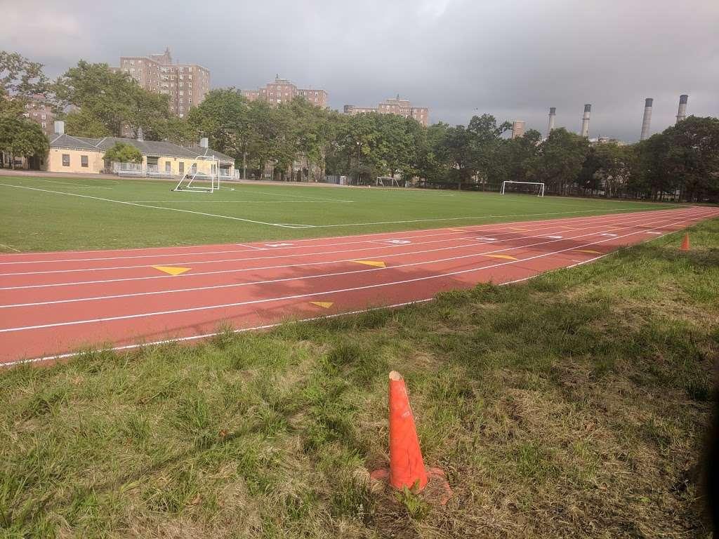 John V. Lindsay East River Park Track - park  | Photo 7 of 10 | Address: 1234 E 6th St, New York, NY 10009, USA | Phone: (212) 639-9675