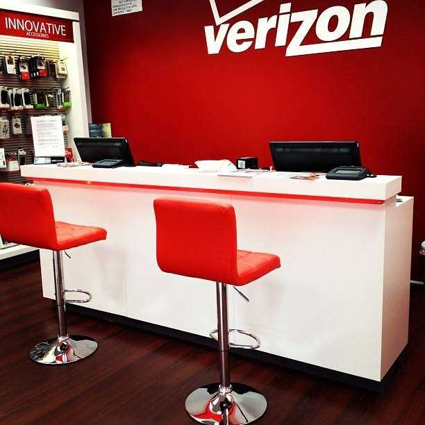 Verizon Wireless - electronics store  | Photo 10 of 10 | Address: 121-20 Liberty Ave, South Richmond Hill, NY 11419, USA | Phone: (718) 845-1500