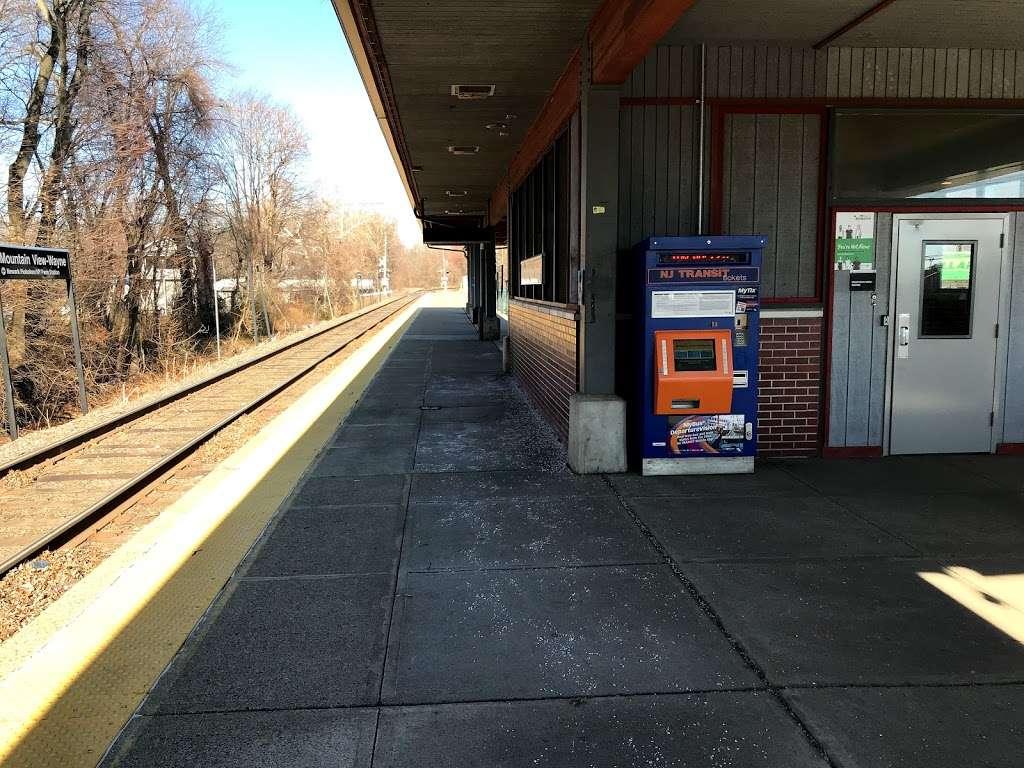Mountain View-Wayne Station - train station    Photo 5 of 10   Address: 11 Erie Ave, Wayne, NJ 07470, USA