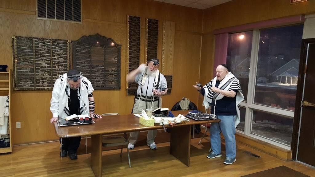 Young Israel of Greater Buffalo - synagogue    Photo 3 of 7   Address: 105 Maple Rd, Buffalo, NY 14221, USA   Phone: (716) 634-0212