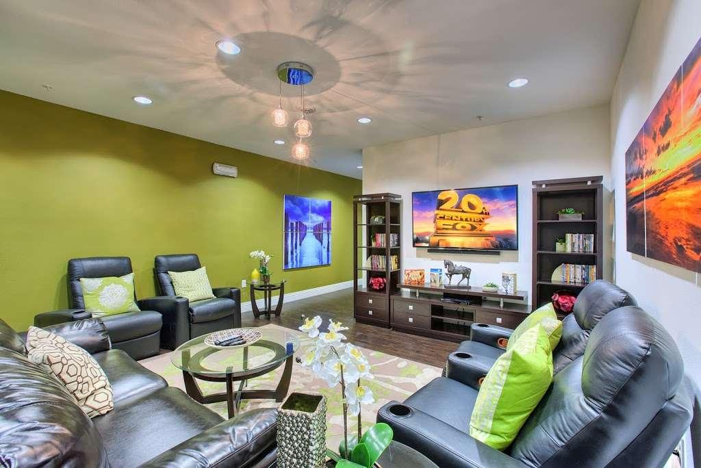 Tempo Senior Apartments - real estate agency  | Photo 4 of 10 | Address: 5625 S Hollywood Blvd, Las Vegas, NV 89122, USA | Phone: (702) 990-2771
