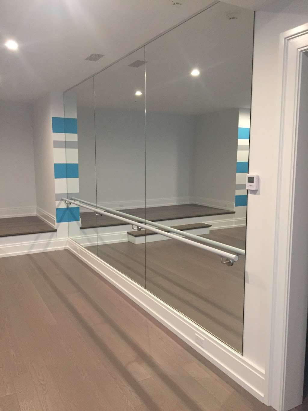 Glass Contractors LLC - store  | Photo 8 of 9 | Address: 10 Turnberry Ln Unit 2, Sandy Hook, CT 06482, USA | Phone: (203) 840-1602