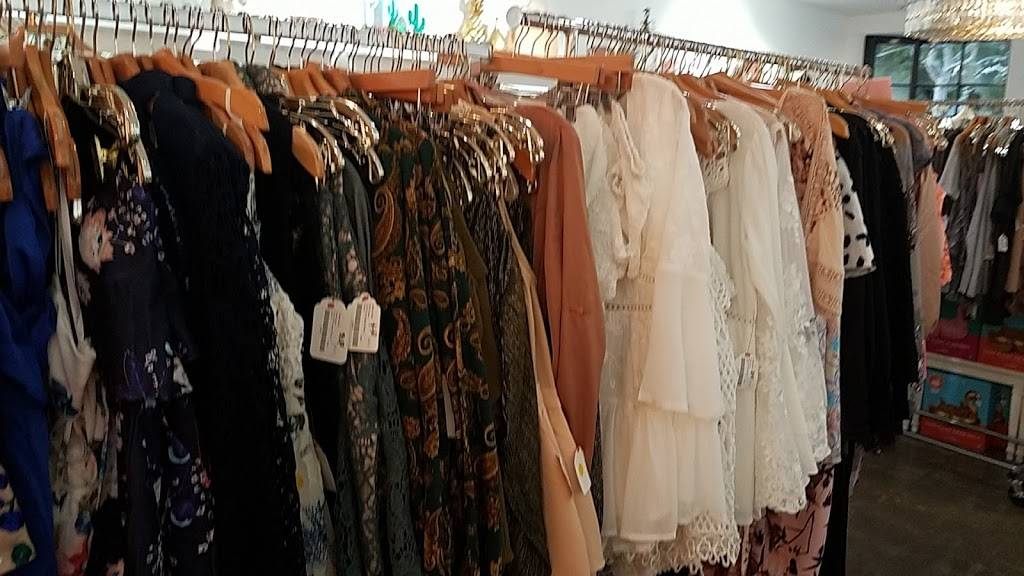 Love Lola - clothing store  | Photo 9 of 9 | Address: 1649 Westcliff Dr, Newport Beach, CA 92660, USA | Phone: (949) 873-5151