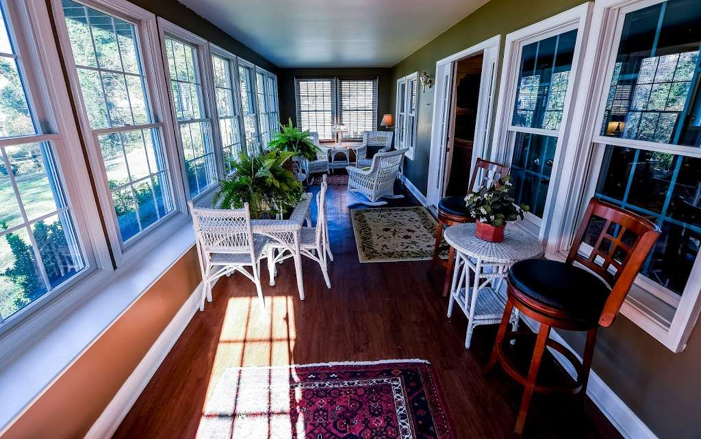 Red Point Lighthouse Vacation Rentals - real estate agency    Photo 8 of 10   Address: 115 S Main St, North East, MD 21901, USA   Phone: (443) 553-5363
