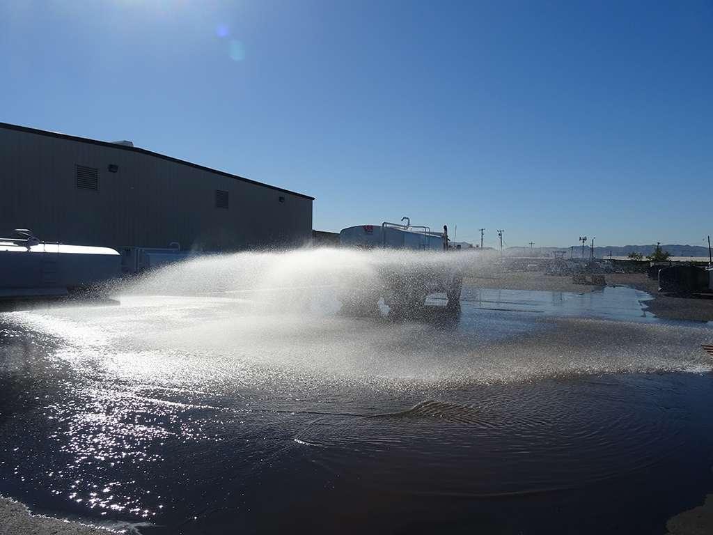 United Truck & Equipment, Inc. - store  | Photo 6 of 10 | Address: 2045 W Buckeye Rd, Phoenix, AZ 85009, USA | Phone: (602) 253-7739