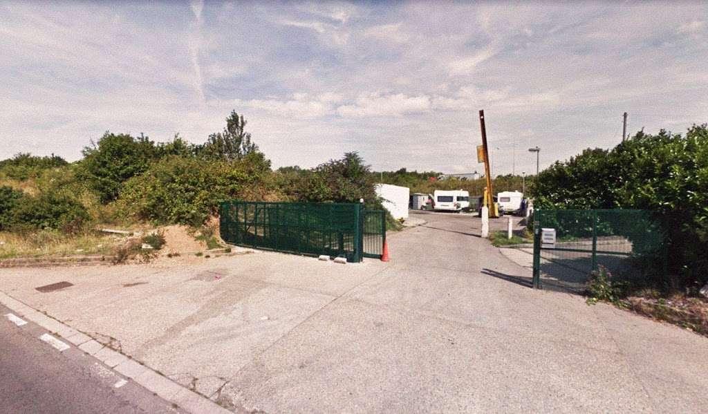 The Mimms Caravan Park - rv park  | Photo 1 of 3 | Address: St Albans Rd, Barnet EN5 4LD, UK | Phone: 01707 897367