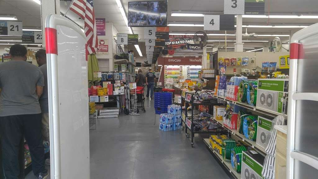 Vermont Outlet True Value - hardware store  | Photo 10 of 10 | Address: 2929 S Vermont Ave, Los Angeles, CA 90007, USA | Phone: (323) 734-4477