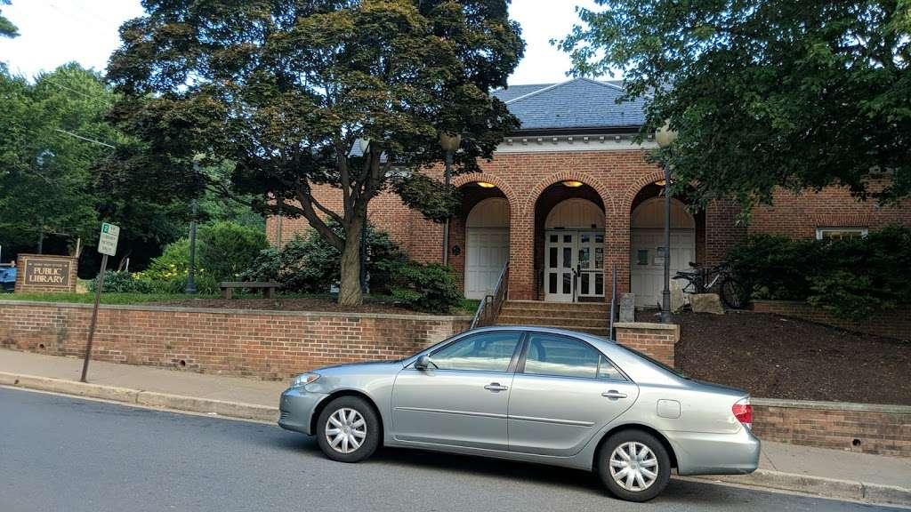 Mary Riley Styles Public Library - library  | Photo 3 of 10 | Address: 120 N Virginia Ave, Falls Church, VA 22046, USA | Phone: (703) 248-5030