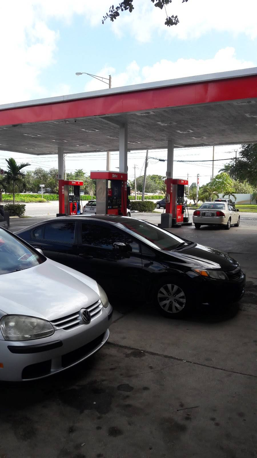 PINES U GAS - gas station  | Photo 2 of 2 | Address: 7000 Hollywood Blvd, Hollywood, FL 33024, USA | Phone: (954) 893-1789