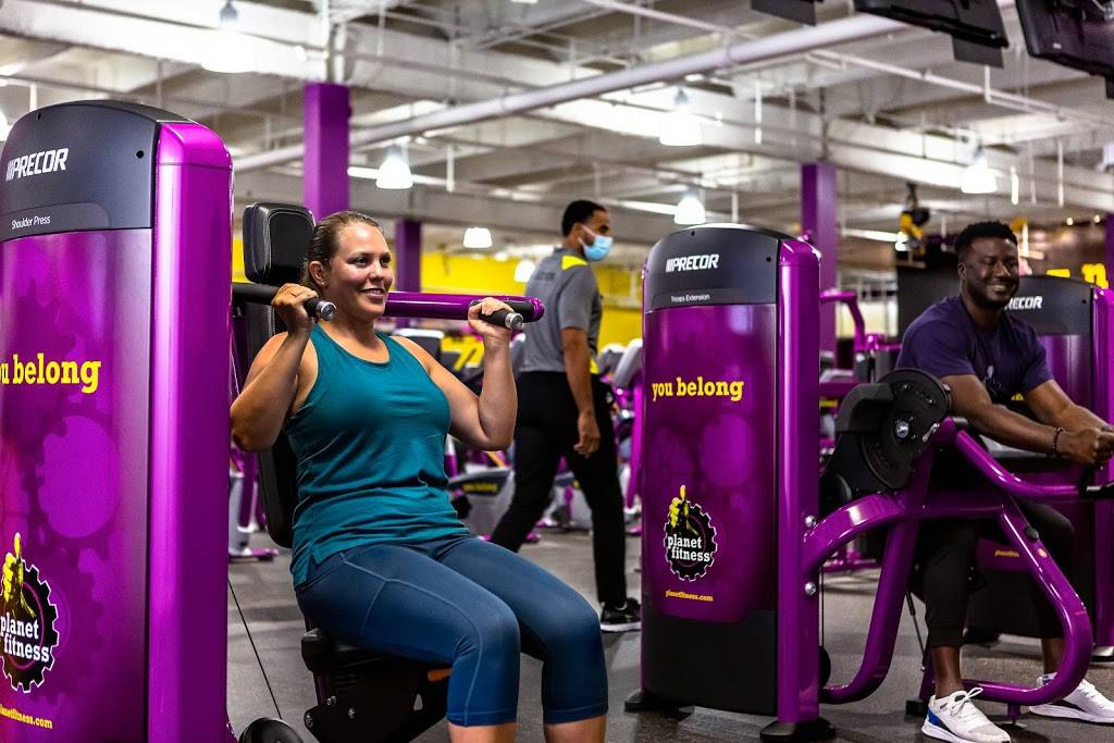 Planet Fitness - gym  | Photo 4 of 8 | Address: 60 Coon Rapids Blvd NW, Coon Rapids, MN 55448, USA | Phone: (763) 784-7677