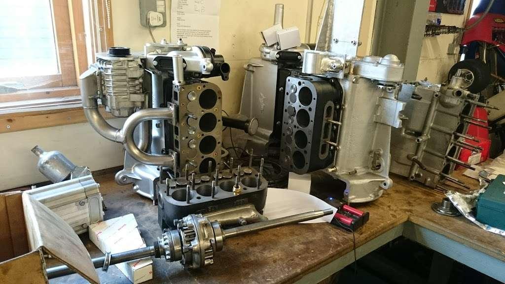 Pigsty Racing - car repair  | Photo 2 of 10 | Address: 2b, Lady Cross Business Park, Hollow Ln, Dormansland, Lingfield RH7 6PB, UK | Phone: 01342 870988
