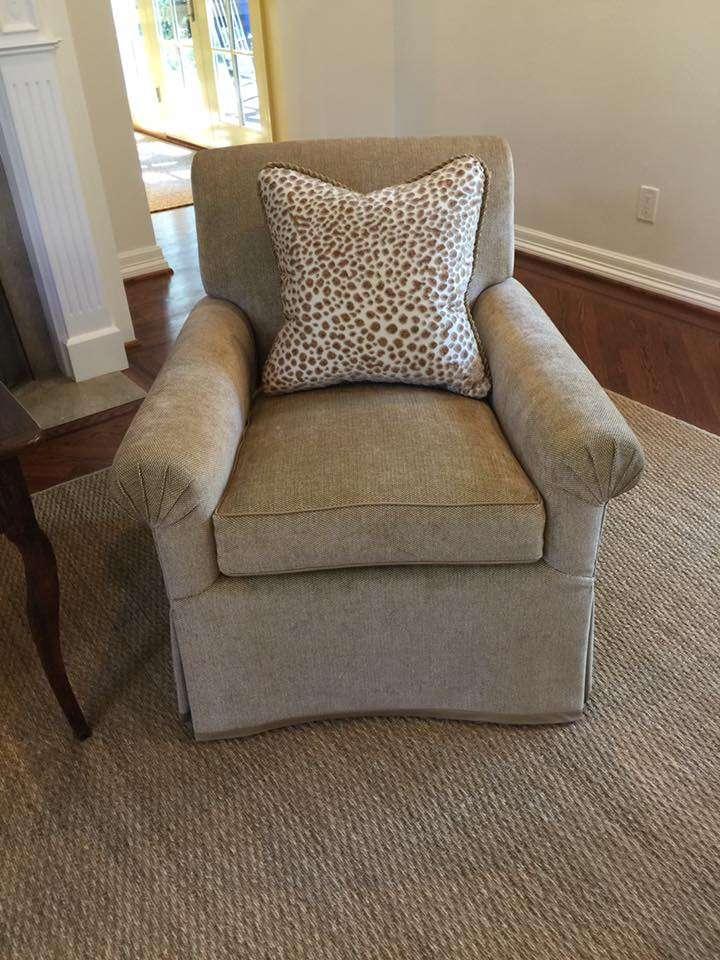 Perez Custom Upholstery, LLC - furniture store    Photo 3 of 10   Address: 2797 Irving Blvd #112, Dallas, TX 75207, USA   Phone: (214) 669-3476