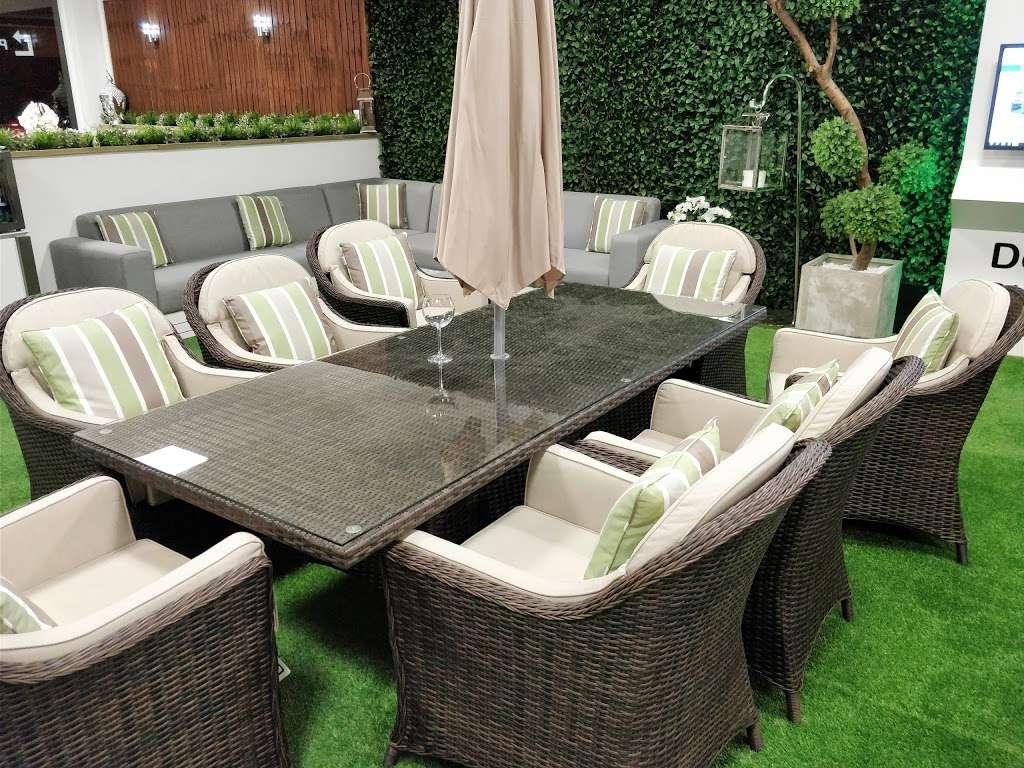 Moda Outdoor Furniture - furniture store    Photo 5 of 10   Address: 22-28 Godstone Rd, Caterham CR3 6RA, UK   Phone: 01883 708635