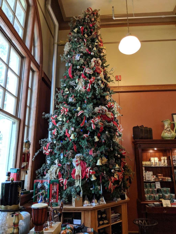 Ellis Island Cafe - restaurant    Photo 1 of 10   Address: Ellis Island, New York, NY 10004, USA