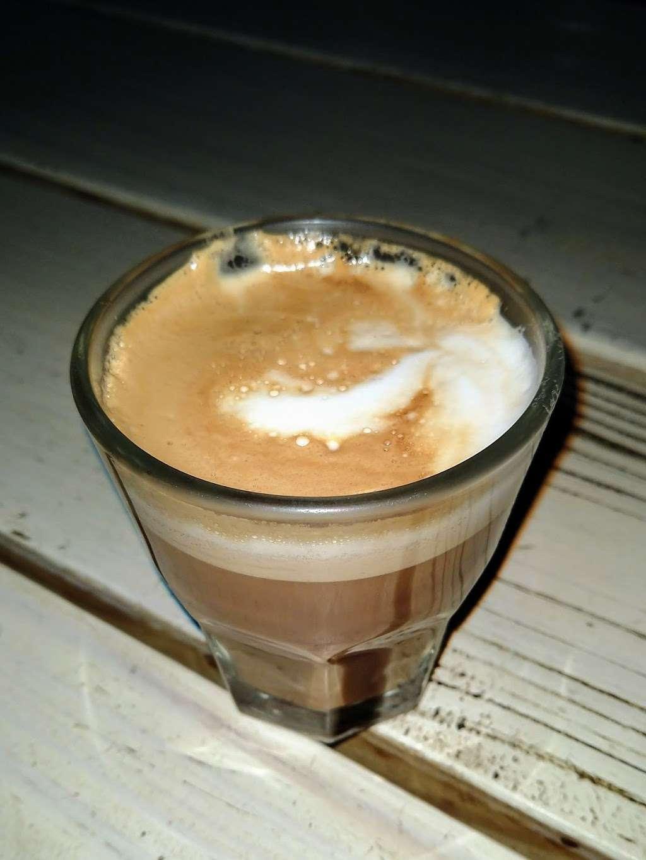 Vineapple Cafe - cafe  | Photo 2 of 10 | Address: 71 Pineapple St, Brooklyn, NY 11201, USA | Phone: (347) 799-1701