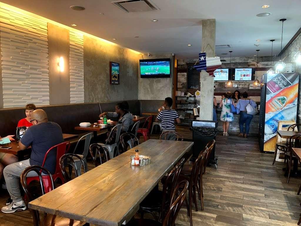 Bobcats Texas B.B.Q. - restaurant  | Photo 1 of 10 | Address: 725 River Rd, Edgewater, NJ 07020, USA | Phone: (201) 941-0196