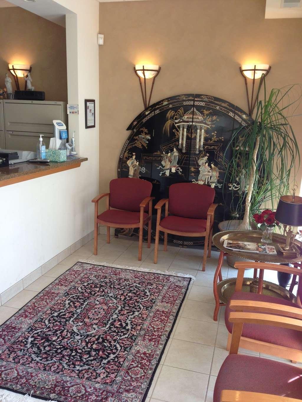 Lincoln Court Dental Ltd - dentist  | Photo 1 of 2 | Address: 8037 Lincoln Ave, Skokie, IL 60077, USA | Phone: (847) 679-5558