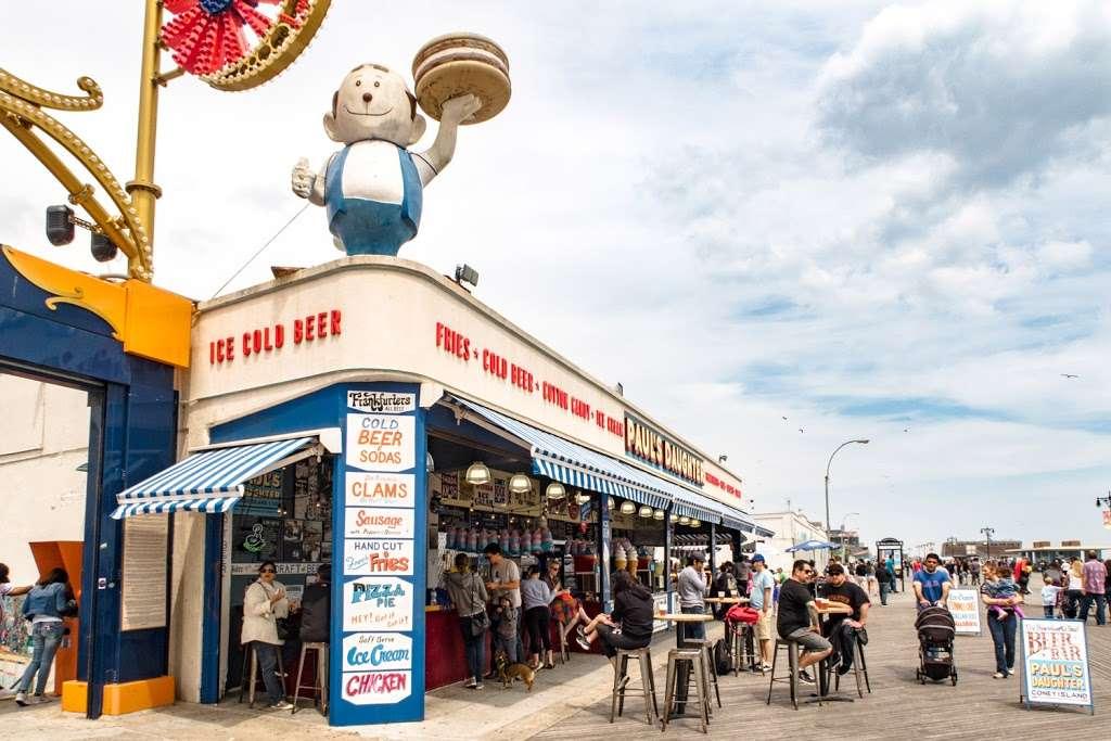 Paul's Daughter - restaurant  | Photo 3 of 10 | Address: 1001 Riegelmann Boardwalk, Brooklyn, NY 11224, USA | Phone: (718) 449-4252