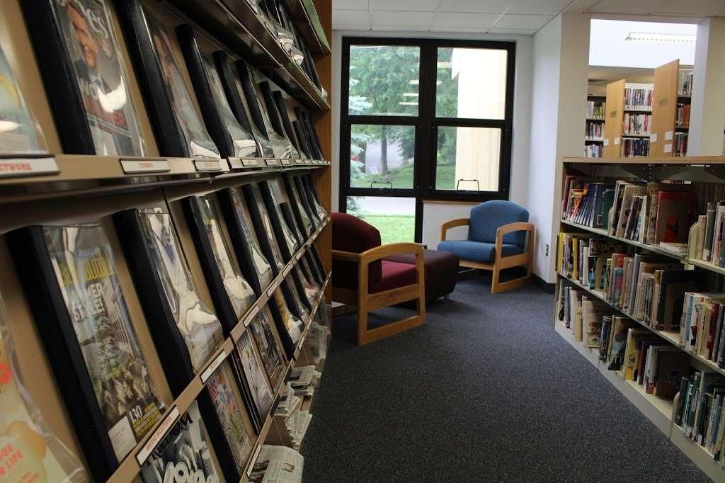 Edison Public Library: Clara Barton Branch - library  | Photo 8 of 10 | Address: 2600, 141, Hoover Ave, Edison, NJ 08837, USA | Phone: (732) 738-0096