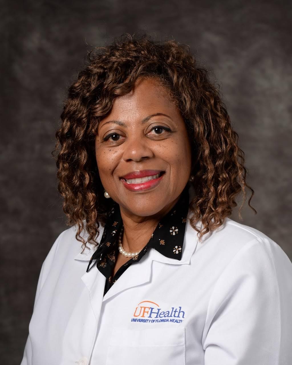 UF Health Family Medicine and Pediatrics – Blanding - hospital  | Photo 4 of 5 | Address: 6015 118th St, Jacksonville, FL 32244, USA | Phone: (904) 633-0610