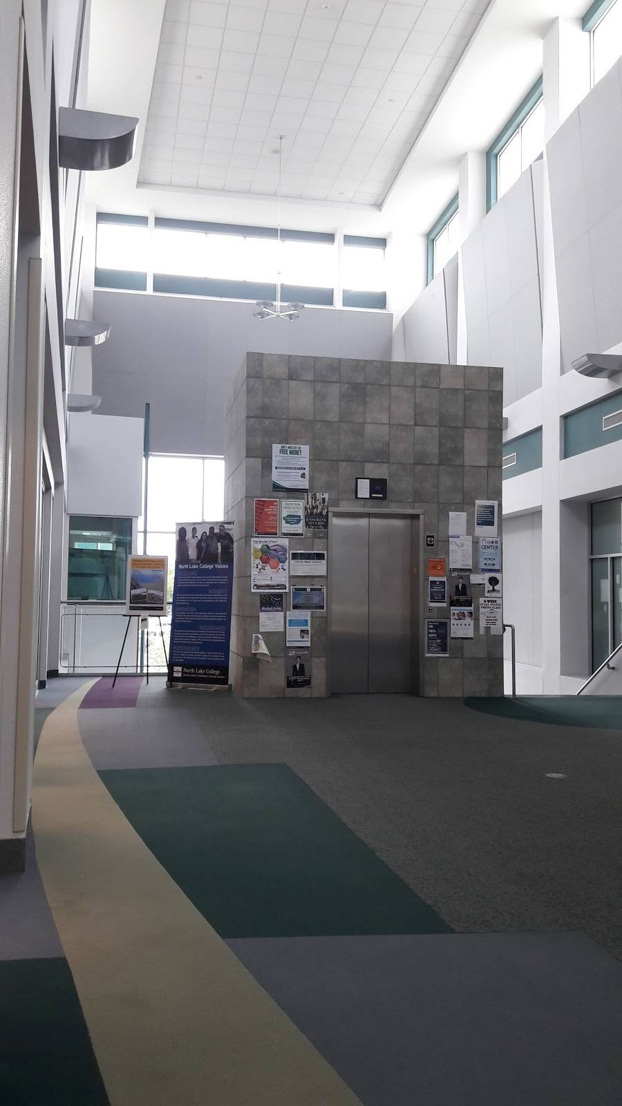 North Lake Community Library - library  | Photo 4 of 10 | Address: 5001 N MacArthur Blvd, Irving, TX 75038, USA | Phone: (972) 273-3400