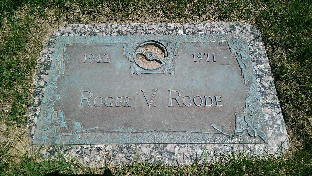 Sunset Memory Garden Funeral Home - funeral home  | Photo 1 of 4 | Address: 2097 W Alto Rd, Kokomo, IN 46902, USA | Phone: (765) 453-2310