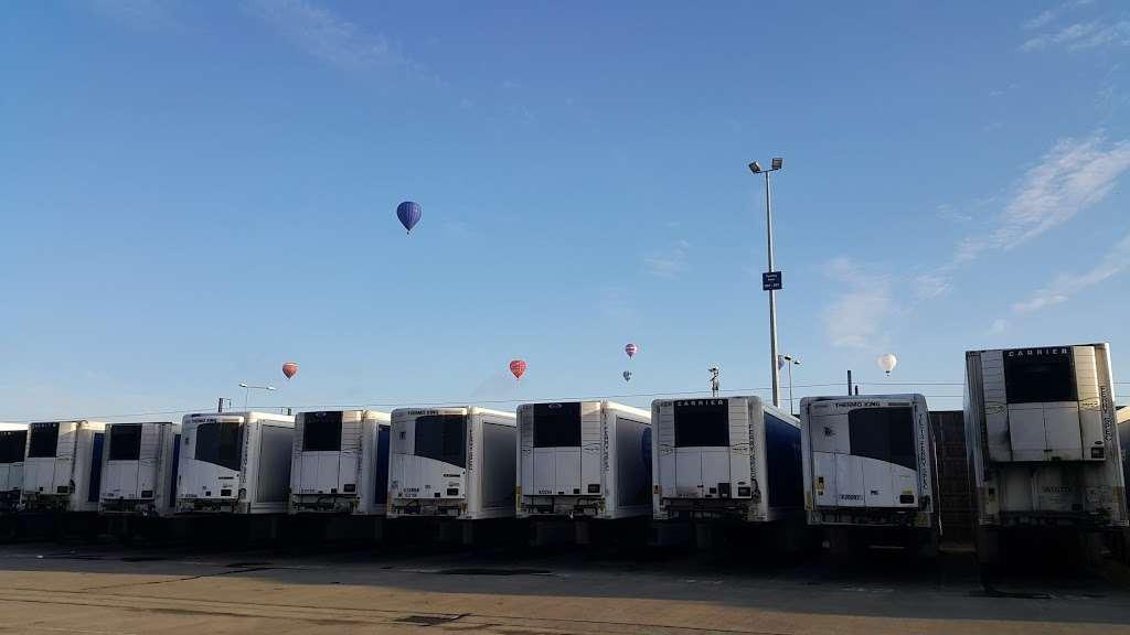 Tesco Dagenham Depot - storage  | Photo 10 of 10 | Address: Consul Ave, Rainham, Dagenham RM9 6DE, UK | Phone: 0800 323 4040