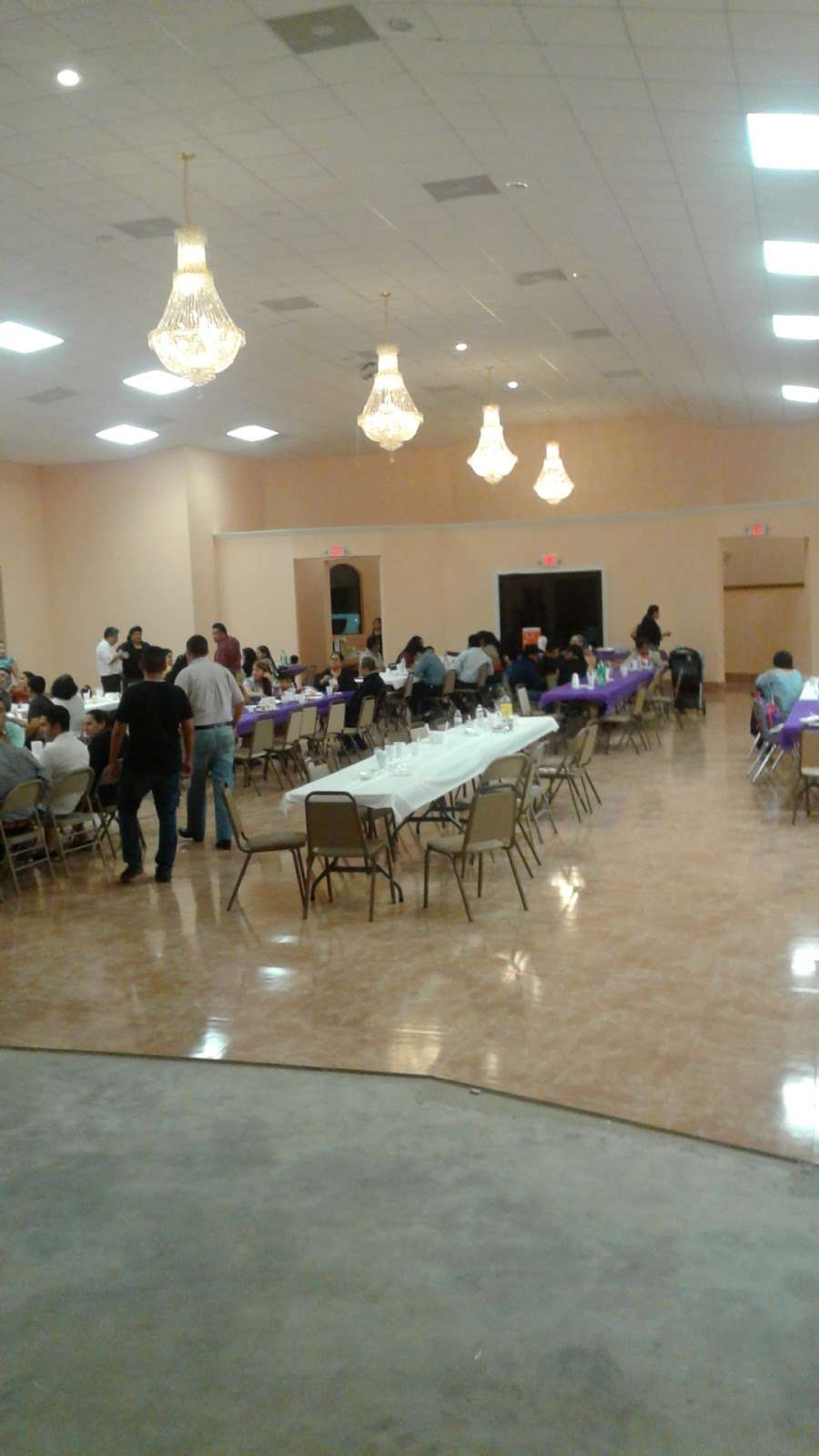 Iglesia De Dios Fuente De Vida - church  | Photo 2 of 10 | Address: 3125 Frick Rd, Houston, TX 77038, USA | Phone: (713) 498-0609