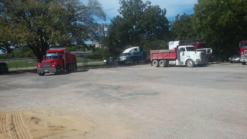 Heavy Equipment Truck Sales - car repair  | Photo 4 of 4 | Address: 111 Hillvale Dr, Dallas, TX 75241, USA | Phone: (214) 371-8046
