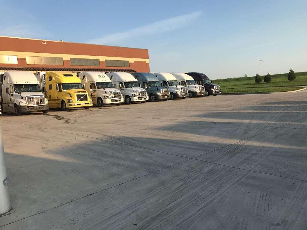 ALDI Distribution Center - storage  | Photo 2 of 10 | Address: 10505 KS-7, Olathe, KS 66061, USA | Phone: (913) 768-1119