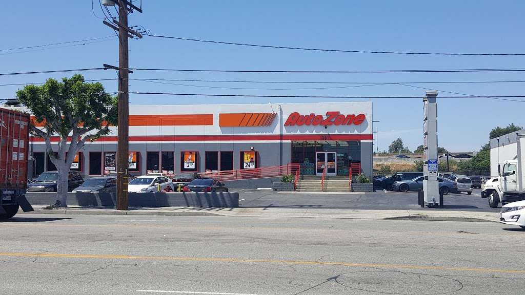 AutoZone Auto Parts - car repair  | Photo 4 of 10 | Address: 1361 W 190th St, Gardena, CA 90248, USA | Phone: (310) 525-2333