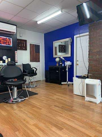 Clippers II Barber Shop - hair care    Photo 4 of 5   Address: 498 Branch Ave, Providence, RI 02904, USA   Phone: (603) 417-0386