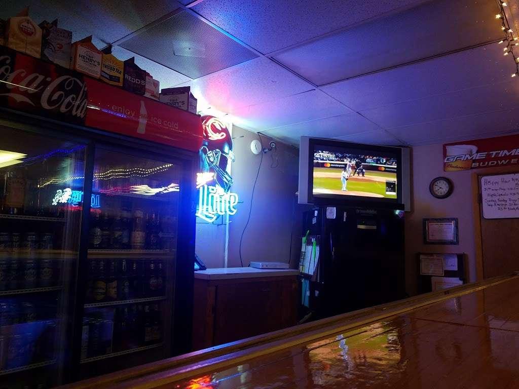 Rurys Tap - restaurant  | Photo 3 of 6 | Address: 365 Lake St, South Wilmington, IL 60474, USA | Phone: (815) 237-2756