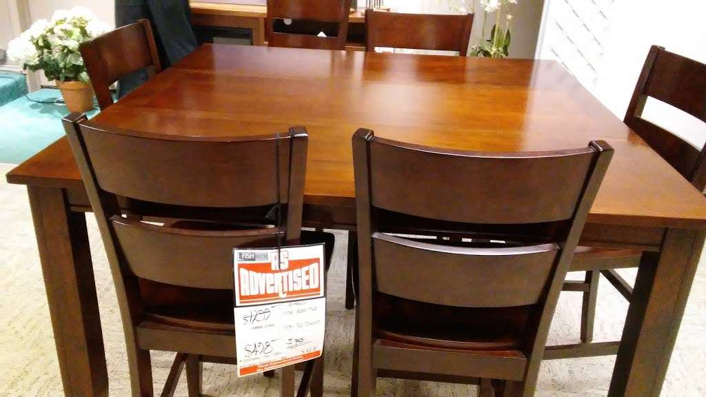 L Fish Furniture - furniture store    Photo 10 of 10   Address: 8401 E Washington St, Indianapolis, IN 46219, USA   Phone: (317) 897-8401