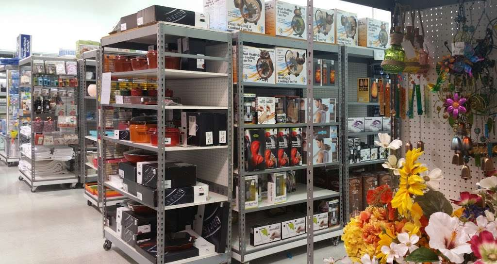 Tuesday Morning - home goods store  | Photo 4 of 10 | Address: 20740 Gulf Fwy, Webster, TX 77598, USA | Phone: (281) 332-8516