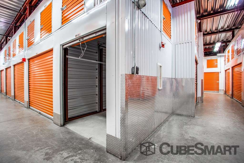 CubeSmart Self Storage - moving company    Photo 2 of 10   Address: 1220 Broadway, Brooklyn, NY 11221, USA   Phone: (718) 574-2194