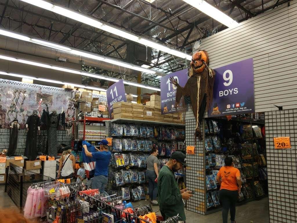 Halloween Club - home goods store  | Photo 7 of 10 | Address: 7107 Telegraph Rd, Montebello, CA 90640, USA | Phone: (323) 726-2226