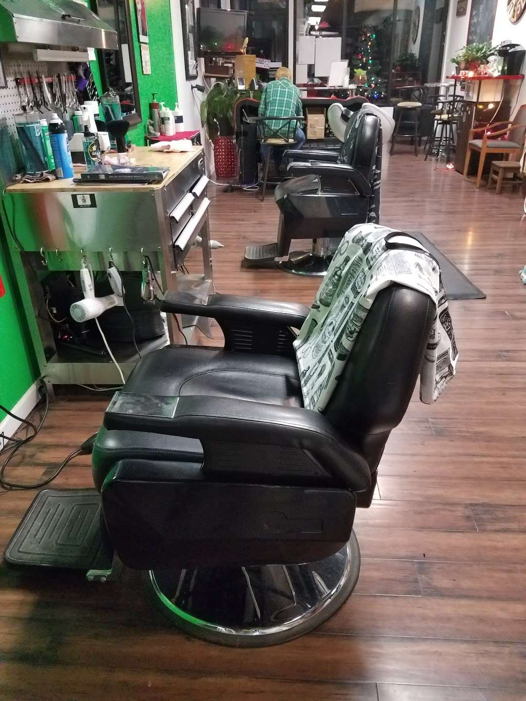 The Garage Hair Studio - hair care  | Photo 2 of 6 | Address: 1033 River Rd, New Milford, NJ 07646, USA | Phone: (201) 530-7440